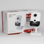 2 Мп IP видеокамера Hikvision c Wi-Fi DS-2CD2421G0-IW (2.8 мм)