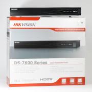 16-канальный сетевой видеорегистратор Hikvision DS-7616NI-E2-8P